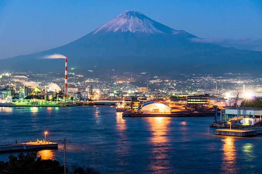 【静岡県】田子の浦・富士山と工業地帯