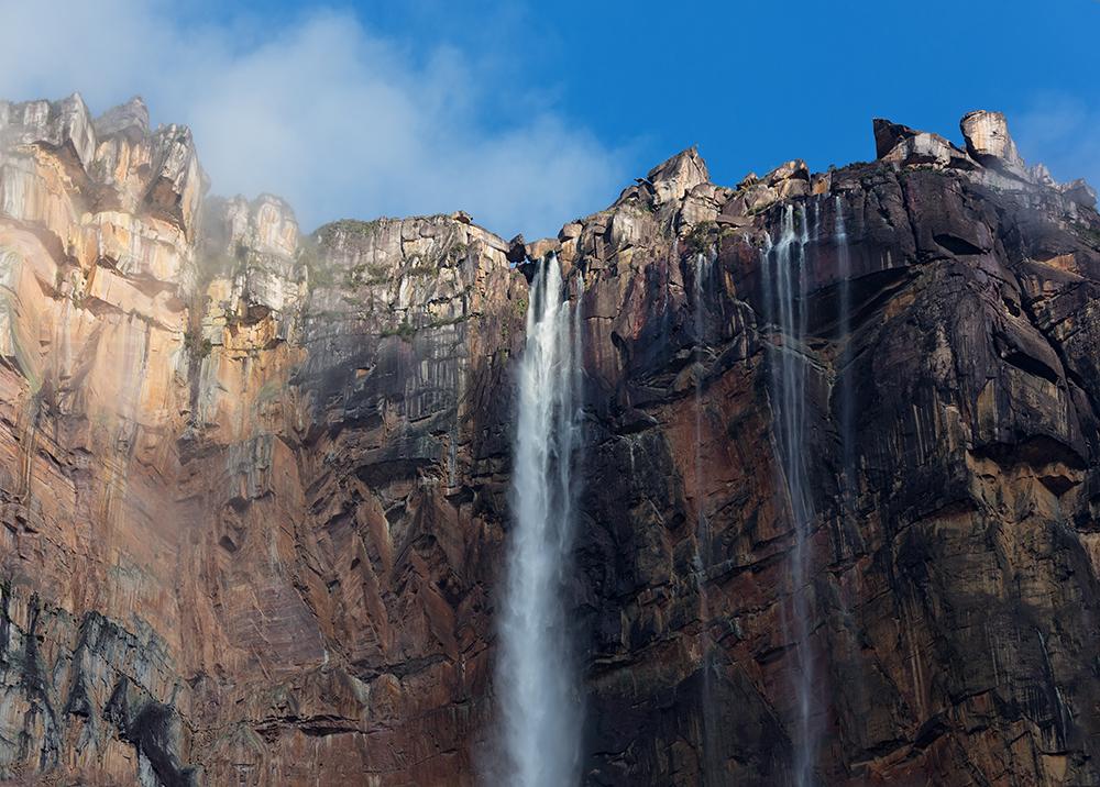 ギアナ高地の空に舞う滝「エンジェル・フォール」について