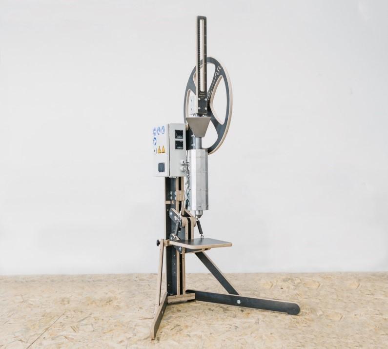Plasticpreneur社マニュアル式インジェクション装置